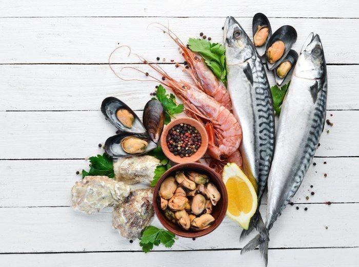 Когда и какие морепродукты можно давать детям   C какого возраста давать  ребенку креветки, морскую капусту